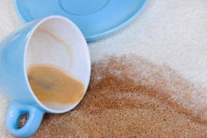 Enlever une tâche de café sur tapis à Saint Cloud